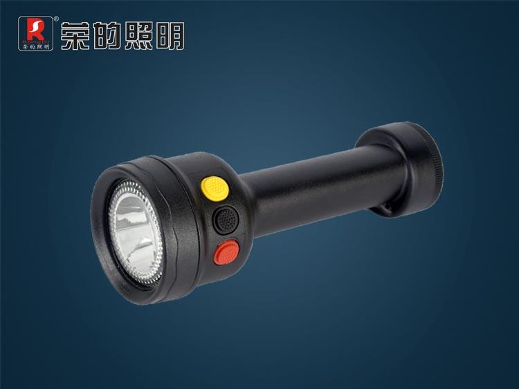 BR2220A多功能袖珍信号灯 (红黄、红绿信号光选配) 适用场所:适用于铁路、航运及其它交通运输业、特殊行业作为信号指示、安全警示;适用于各种工作场所作移动照明。 性能特点:  照明和信号两种功能设计;采用编程IC控制电路,相互之间可自由切换,操作简单可靠。  采用进口固态LED光源作照明,亮度高、寿命长,照射距离可达50米以上。  红、黄、绿三色信号可任选两种作为配置,信号指示功能强,可视距离可达5000米以上。  人性化的尾灯警示设计,可在日常工作中向身后发出警告以消除危险和隐患,保障安全。